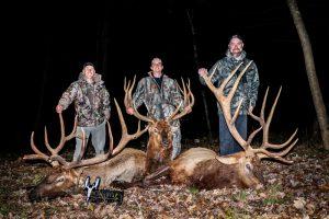 group elk hunting trip in Wisconsin